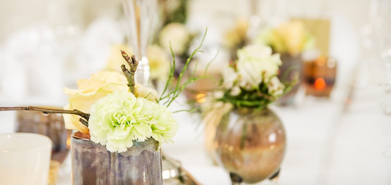 We select flower arrangements that fit your purpose