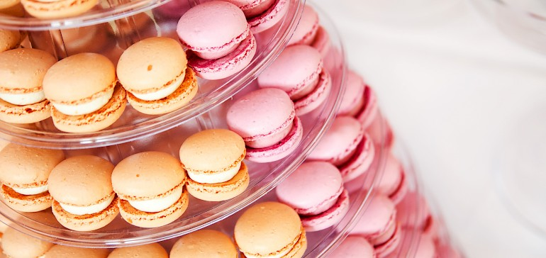 Macarons for your wedding guests