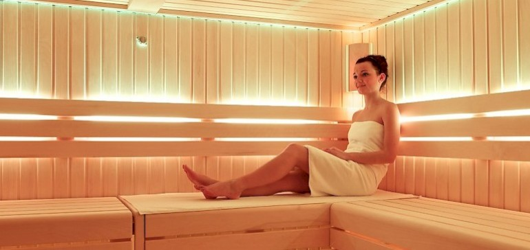 Enjoy health promoting saunas in the Kaiserhof Spa