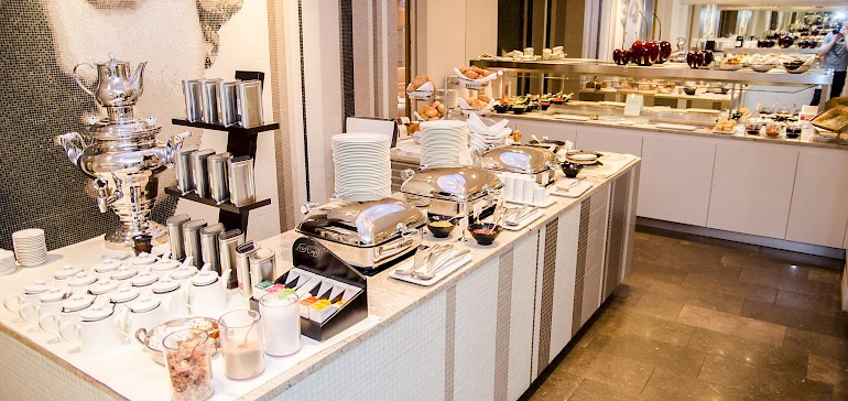 Enjoy tea, coffee-specialities and fruit juices with your breakfast