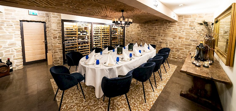 The wine cellar offers groups of up to 14 persons a great space for dinner partys